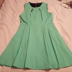 Dress - has pockets!